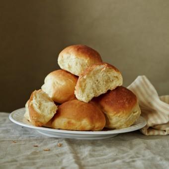 Пшеничный хлеб на закваске и хлеб с добавками