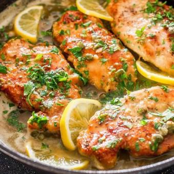 Куриная пиката и салат с сырными кнелями